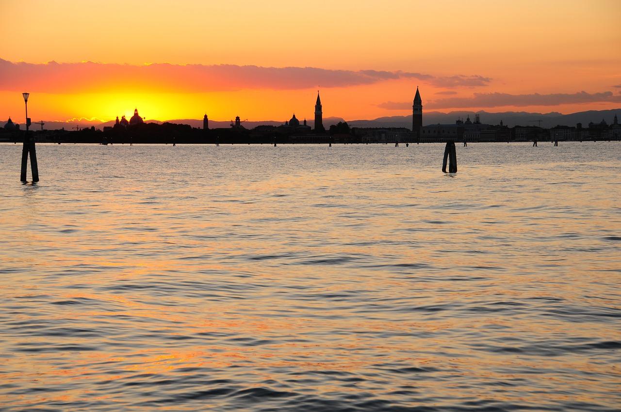 venice sunset-1327520_1280